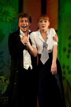 Анастасия Краснова и Александр Кирпичёв в спектакле Пигмалион