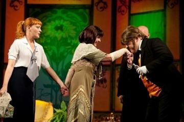 Анастасия Краснова, Татьяна Никитина и Алексей Галушко в постановке в двух действиях Пигмалион