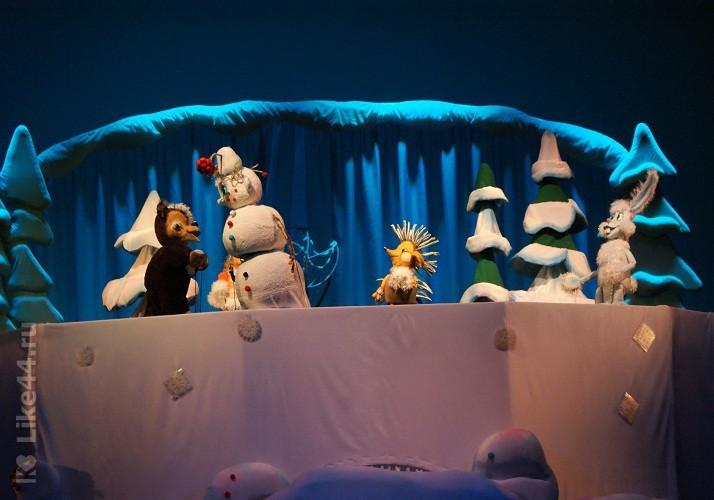 Сцена из кукольной сказки