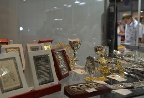 v-kostromskoy-galeree-otkryvaetsya-vystavka-yuvelirnyh-izdeliy-i-0