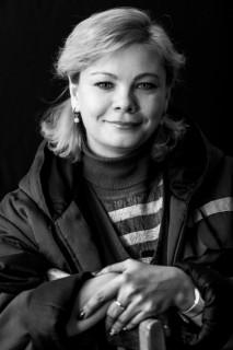 fotoportrety-rabotnic-kostromskoy-stancii-perelivaniya-krovi-mozhno-uvidet-v-oblastnoy-12